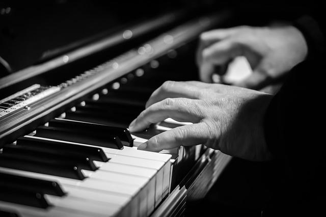 שיעורי פסנתר בג'אם